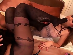Brunette Eve Angel with bubbly bottom and hairless beaver and Kyla Fox open their legs legs wide for each other and have a fun pussy licking