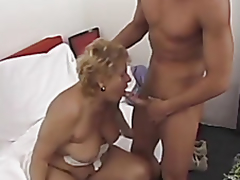 Chubby mature tries anal