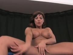Busty brunette milf rubs and toys fur pie